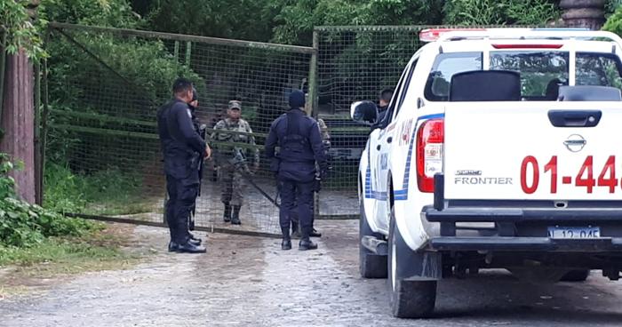 Tres policías detenidos por privar de libertad a dos jóvenes en Comasagua, La Libertad