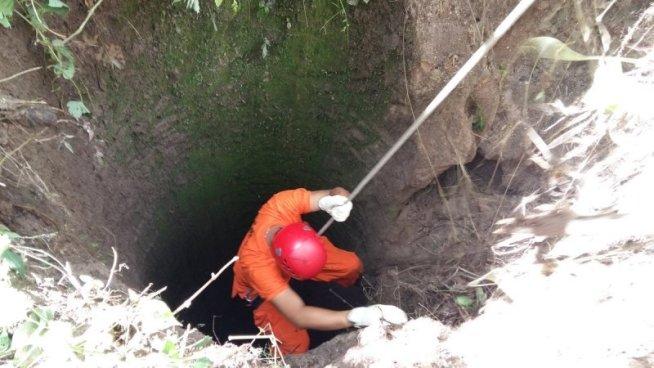 Encuentran cadáver de una mujer dentro de un pozo en San Miguel