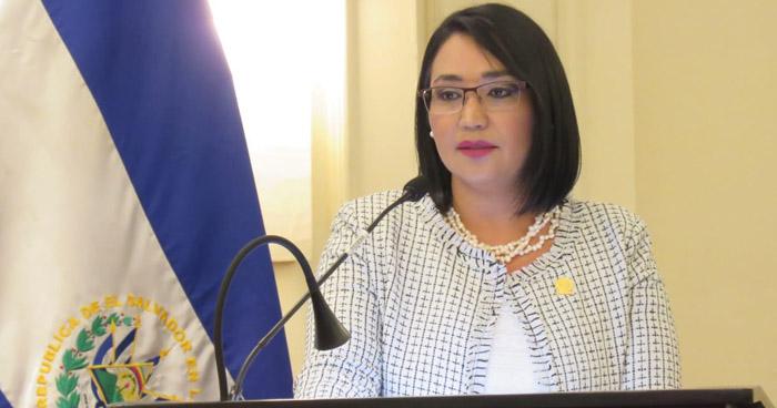 Presidenta de la CCR incrementará su salario porque hay personas que ganan más que los magistrados