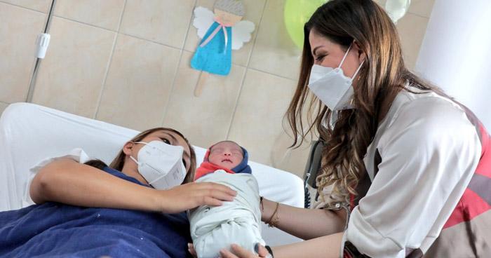 Primer bebé del año 2021 nació en el Hospital 1° de Mayo