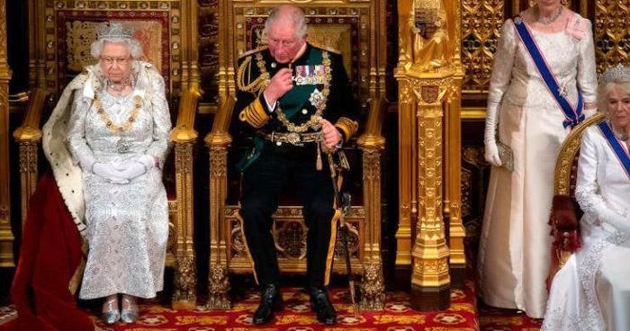 Príncipe Carlos de Inglaterra da positivo por COVID-19
