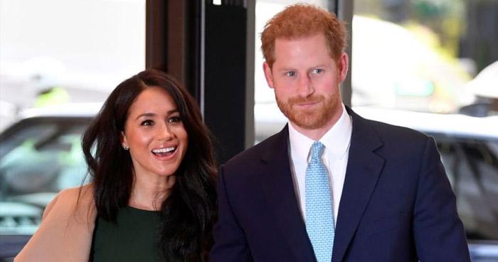 """Príncipe Harry y Meghan Markle renuncian a su posición """"senior"""" en la monarquía"""