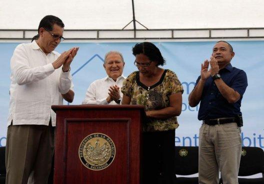 Gobierno lanza programa de vivienda social para ayudar a familias de escasos recursos