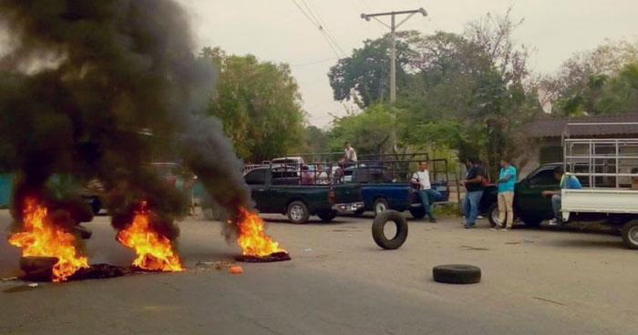 Transportistas independientes denuncian acoso policial