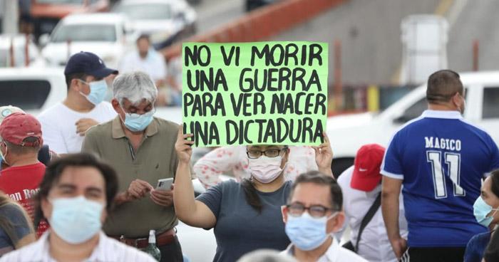 Protestan en el redondel Constitución contra medidas de la nueva Asamblea Legislativa