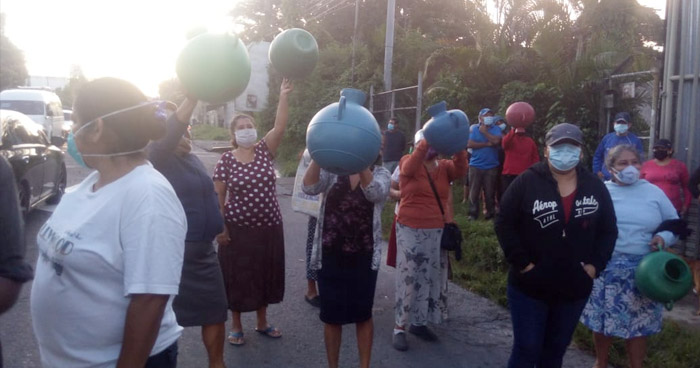 Habitantes de San Martin denuncian que llevan 17 meses sin servicio de agua potable