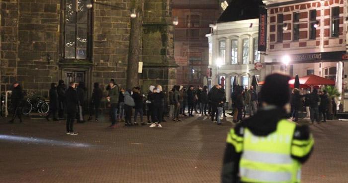Más de 500 detenidos tras disturbios por toque de queda en Países Bajos
