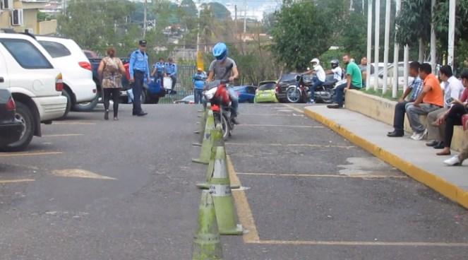 Honduras con nuevas reglas para los conductores de motocicletas