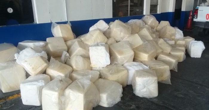 Decomisan más de 90 marquetas de queso de contrabando en frontera El Amatillo
