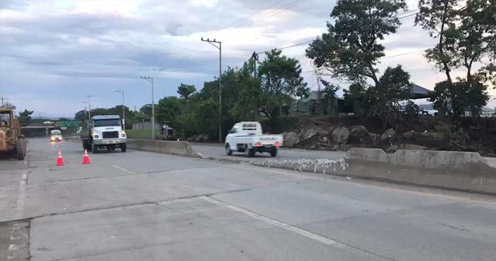 Habilitan paso sobre carretera que conduce del redondel Integración a Quezaltepeque