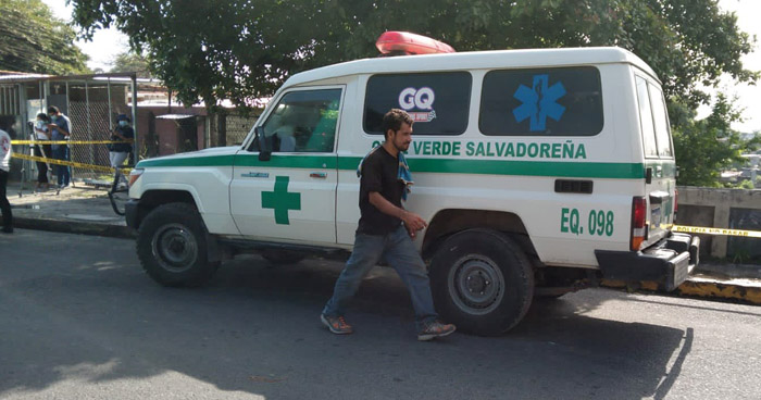Recuperan cadáver de un hombre de quebrada El Arenal, San Salvador