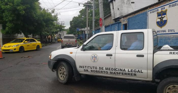 Encuentran muerto a reo en bartolinas de la PNC de San Miguel