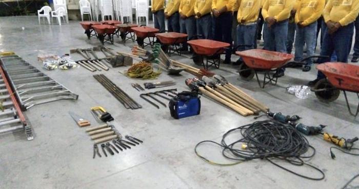Reos repararán puesto policial vandalizado y quemado por pandilleros en Apopa
