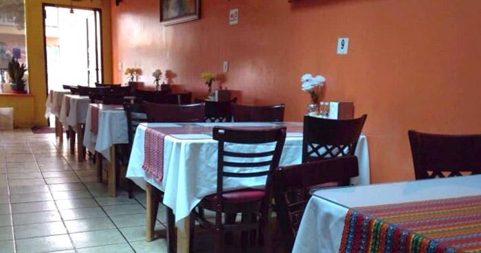 Suspenden servicio en mesa en pupuserías y restaurantes por COVID-19