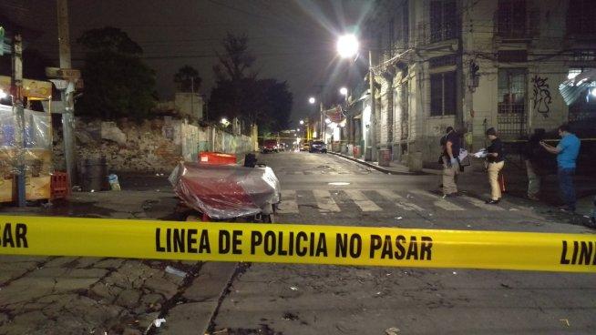 Agente de la PNC departía y estuvo a punto de ser asesinado en el parque San José