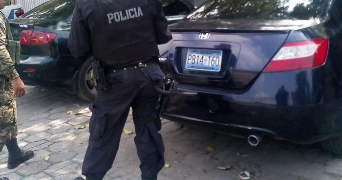 Localizan vehículo robado en colonia de Mejicanos