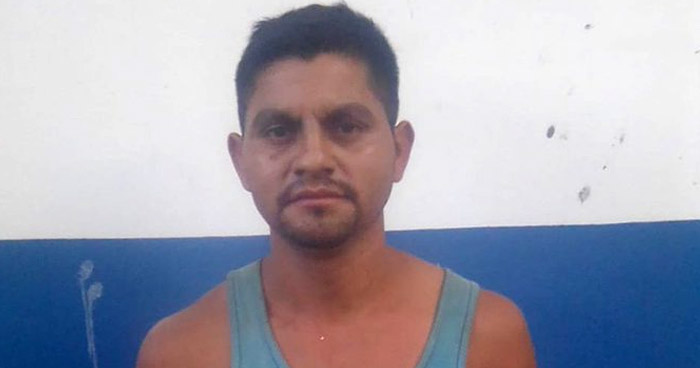 Hurtó un par de zapatos valorados en $60 en Ahuachapán