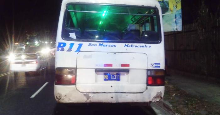 Pasajero muere tras caer de microbus que viajaba con las puertas abiertas en San Marcos