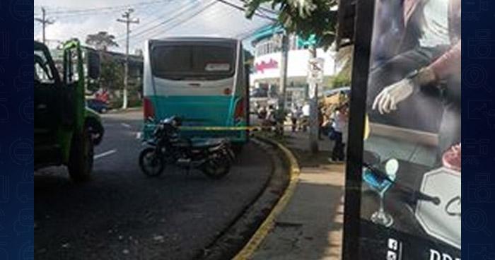 Hombre muere por causas naturales al interior de la ruta 52, en San Salvador