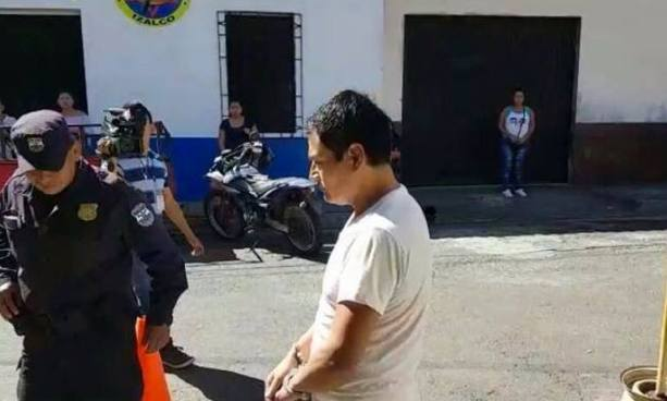A prisión sacerdote por violar a su sobrina de 14 años en Sonsonate