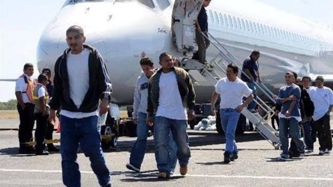 Incrementa la deportación de salvadoreños con perfil de pandilleros