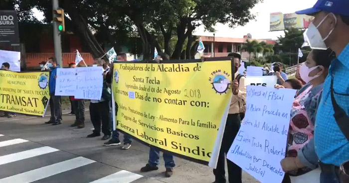 Sindicalistas cierran carretera Panamericana para exigir reinstalo