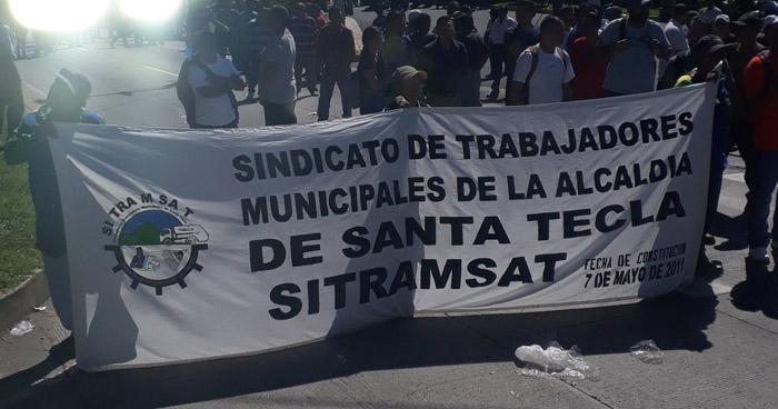 Piden capturar al alcalde Roberto D'Aubuisson por retención de cuotas