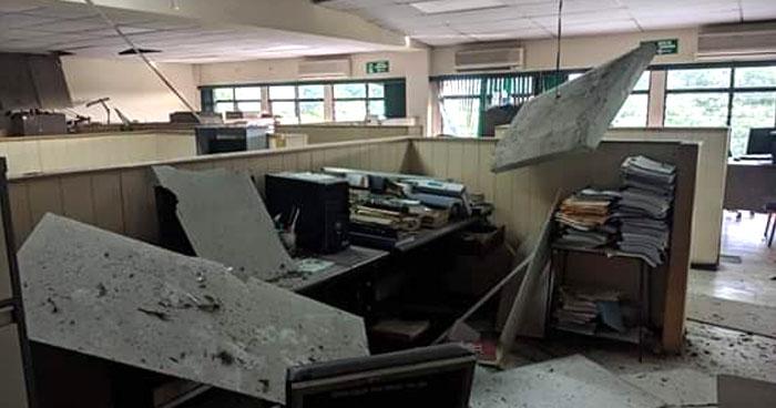 Daños estructurales en varios edificios por fuerte sismo de 6.8 de esta madrugada