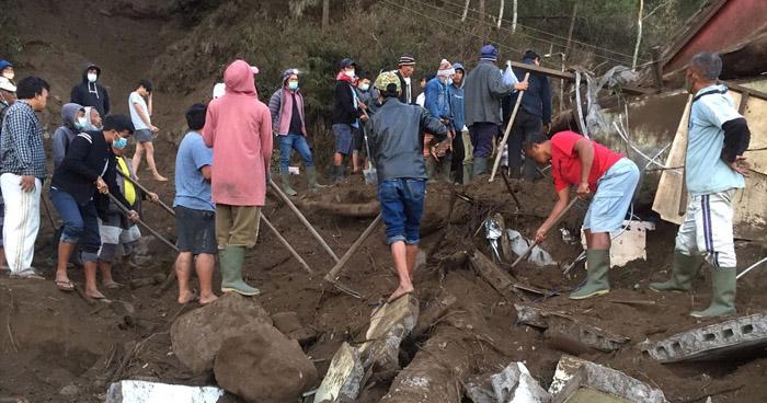Tres muertos y siete heridos tras fuerte sismo que azotó la isla Bali, Indonesia