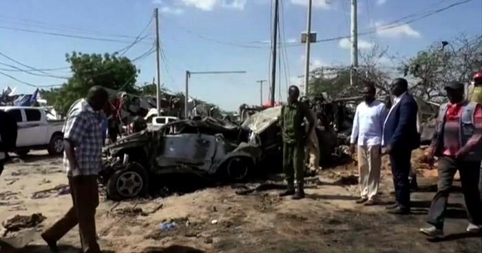 Explosión de coche bomba deja más de 90 muertos en Somalia