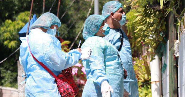 """Colonias de Soyapango sufren de """"olor fétido"""" por aumento de fallecidos que permanecen en Unidad de Salud"""