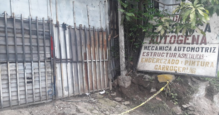 Cuatro cadáveres fueron encontrados en cementerio al interior de un taller en calle Modelo, San Salvador
