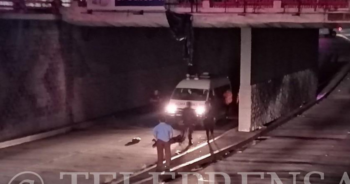 Hombre muere tras caer en paso de desnivel de Alameda Juan Pablo Segundo por metrocentro