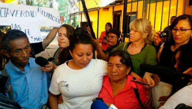 Teodora Vásquez, condenada a 30 años de prisión por aborto, queda en libertad