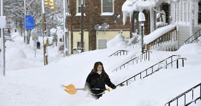 Tormenta de nieve que azota a Estados Unidos deja cuatro muertos