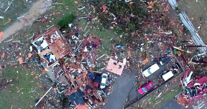 Registran 19 muertos por paso de tornado en Tennessee, Estados Unidos