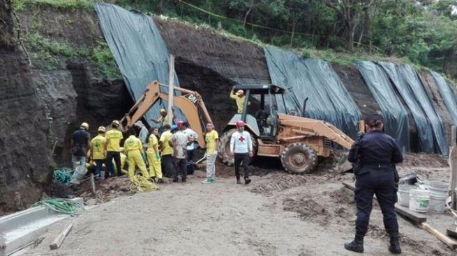 Trabajador muere soterrado en una construcción en calle Conchagua, Antiguo Cuscatlán