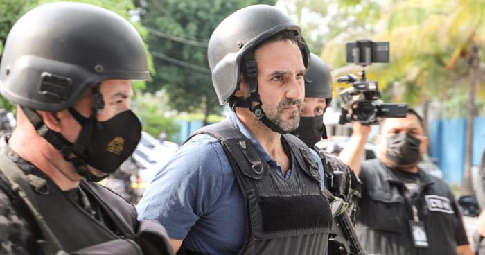 Ernesto Muyshondt es trasladado al Centro Penal de Mariona