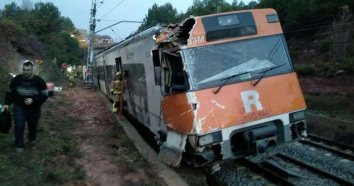Un muerto y más de 40 heridos tras accidente de tren cerca de Barcelona