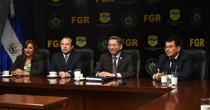 Magistrados del TSE, interponen aviso ante la FGR por amenazas en redes sociales