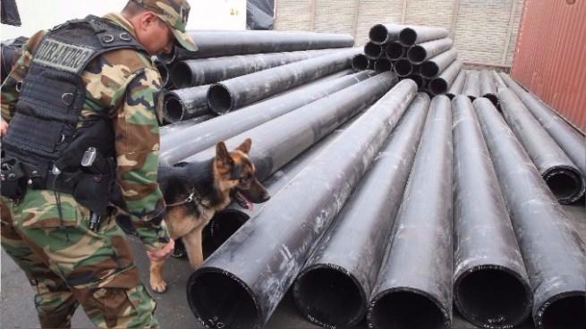 La policía de Perú incautó 1.3 toneladas de cocaína camuflada en tubos
