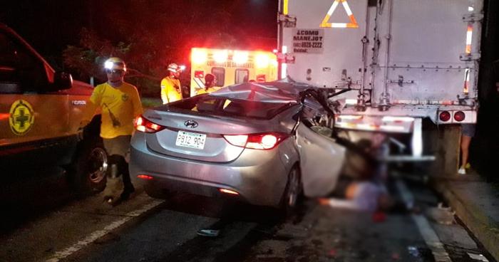 Un muerto y una persona lesionada dejo accidente de transito en la autopista a Comalapa