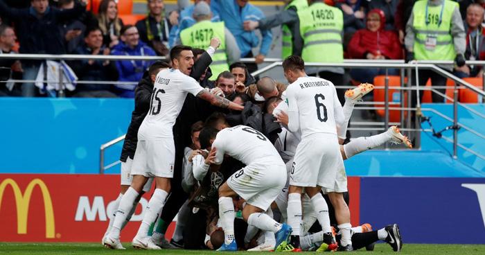 Uruguay gana (0-1) a Egipto con un gol de Giménez en el minuto 89