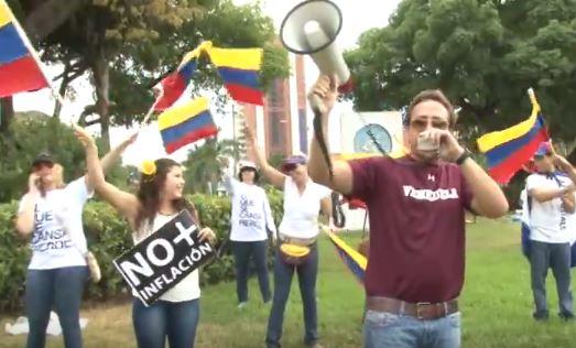 Venezolanos se manifiestan en El Salvador