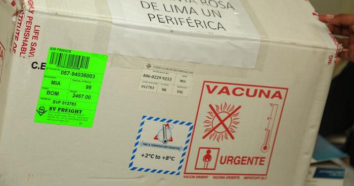 Polémica por fecha de llegada de vacunas contra COVID-19 al país