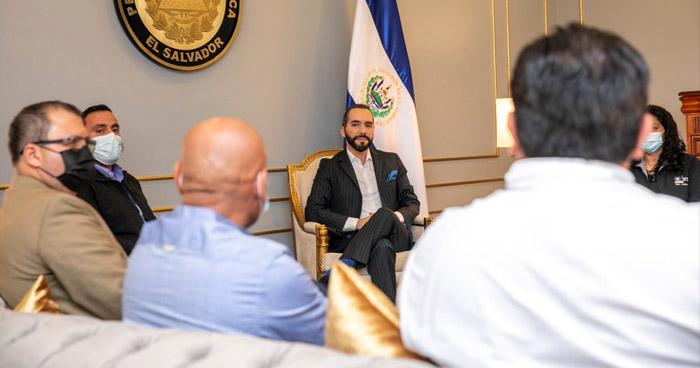 El Salvador dona más de 30 mil dosis de vacunas anti-COVID a alcaldes de Honduras