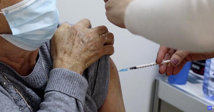 Más de 1.000 millones de vacunas contra la COVID-19 se han aplicado a nivel mundial