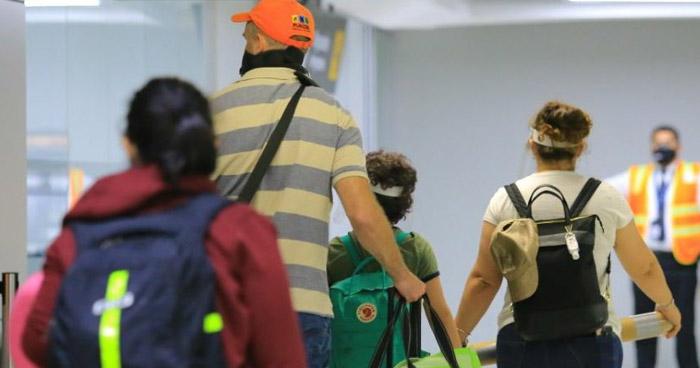 Retornan salvadoreños que permanecían varados en Qatar, Emiratos Árabes Unidos y EE.UU.
