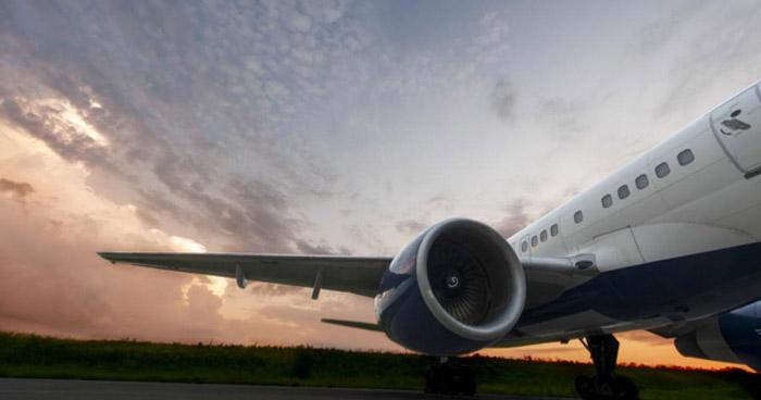 Estados Unidos mantendrá las restricciones de viaje por variante delta del COVID-19