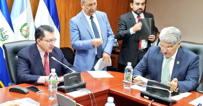 "Prohíben viajes de diputados a países con casos confirmados de ""Coronavirus"""